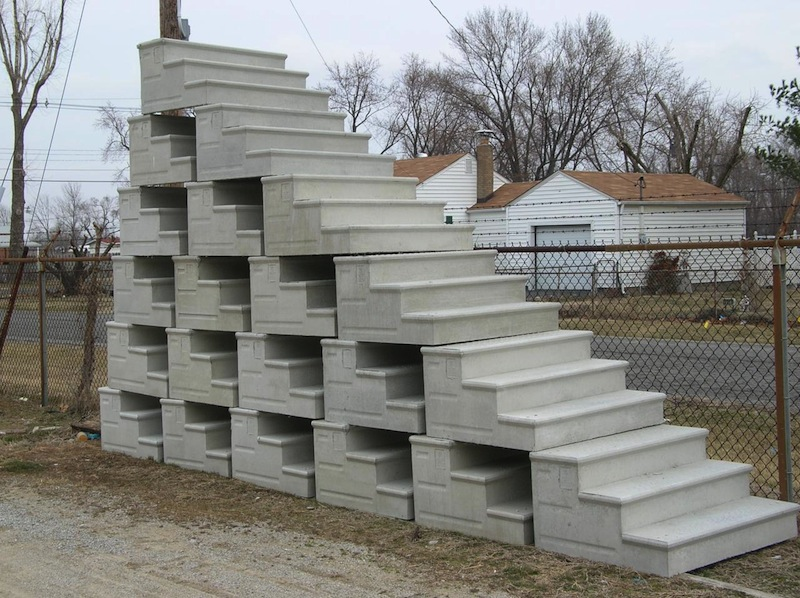 Precast concrete steps yard decorations and commercial for Steps to building your own house
