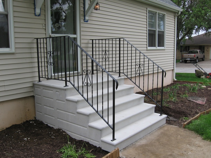 Precast Concrete Steps Serving The Chicagoland Area